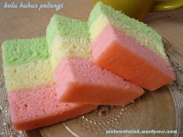 Bolu kukus pelangi raining in my mind